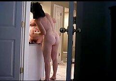 Remaja pirang dengan bokef jepang mom pantat menyentuh vagina.